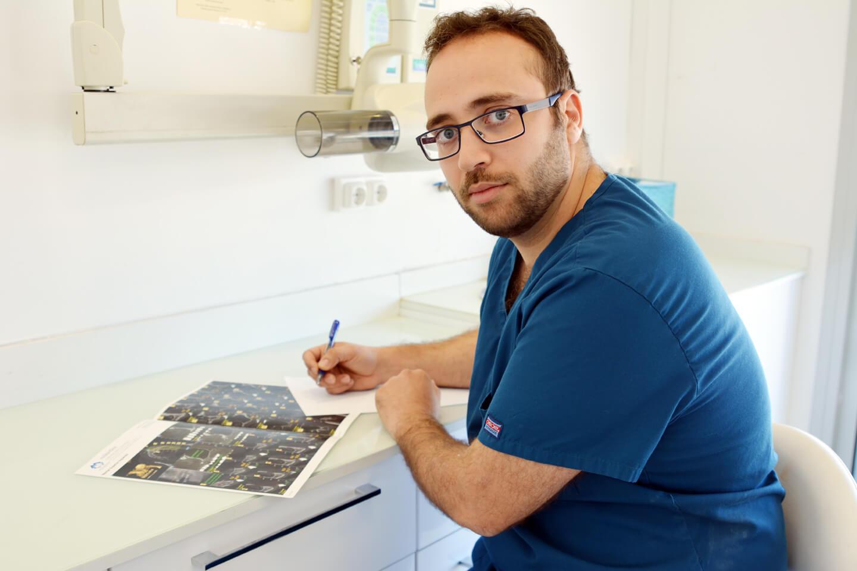 dr-daniel-sanchez dentista cunit